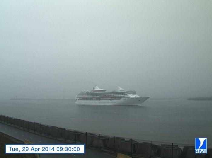 Photos en direct du port de Zeebrugge (webcam) - Page 62 Zeebru43