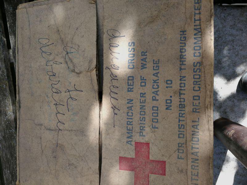 Carton de nourriture pour prisonniers - Croix rouge US Img_2249