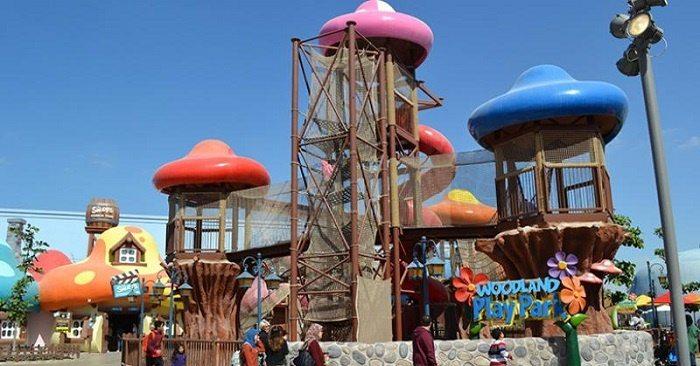 [ÉAU] Dubai Parks & Resorts : motiongate, Bollywood Parks, Legoland (2016) et Six Flags (2019) - Page 8 Smurfs10