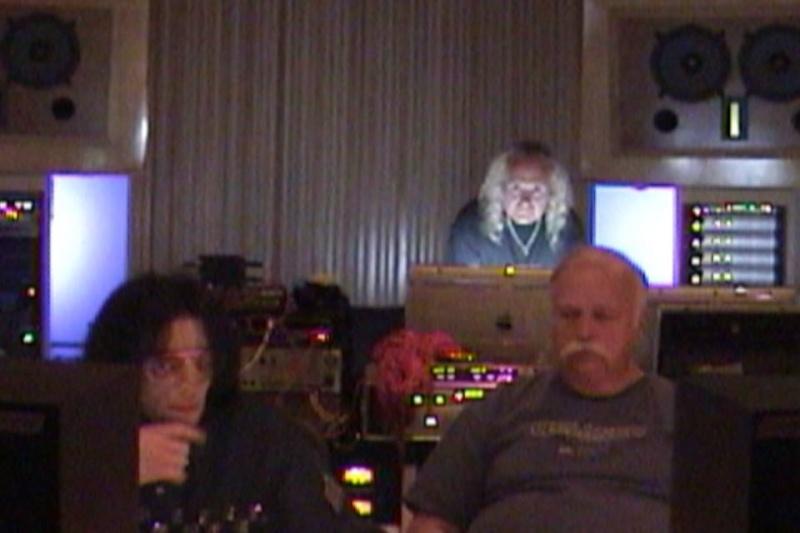 MJ en studio avec B. Swedien, Brad Buxer et Michael Prince 0110