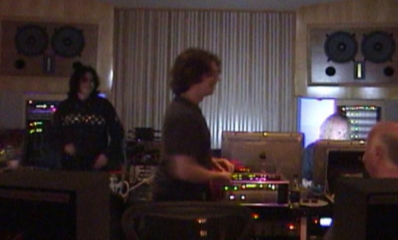 MJ en studio avec B. Swedien, Brad Buxer et Michael Prince 0310