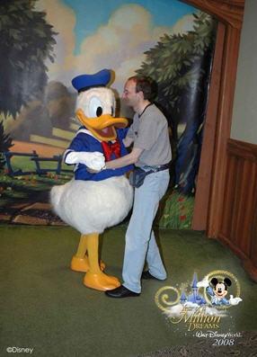 Les vacances de Mister Wolfi et Matttthieu : Walt Disney World Tour 2008 - Page 2 Donald11