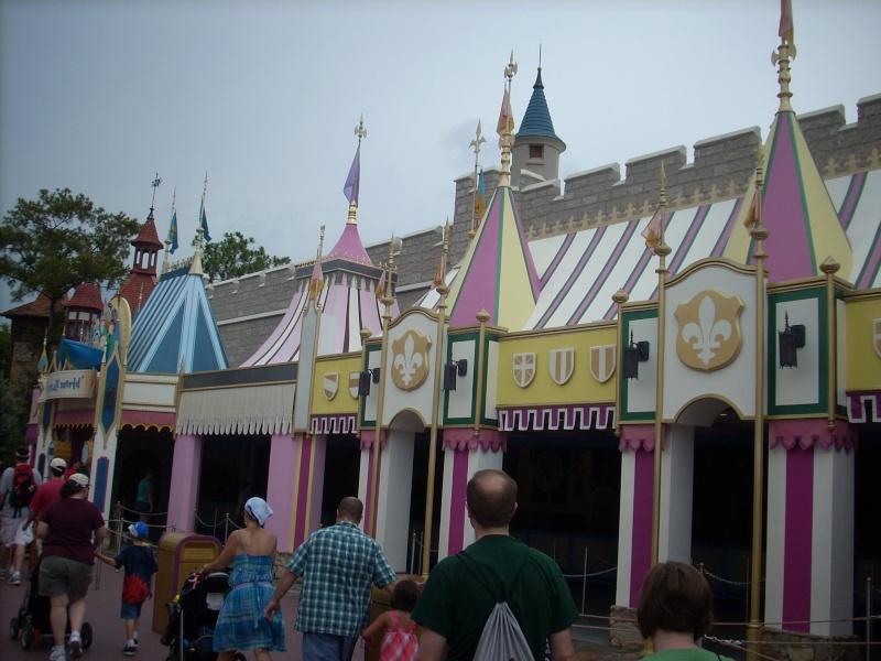 Les vacances de Mister Wolfi et Matttthieu : Walt Disney World Tour 2008 - Page 2 Dscn3910