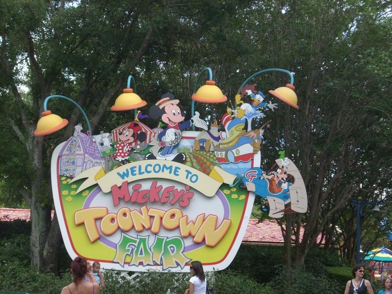 Les vacances de Mister Wolfi et Matttthieu : Walt Disney World Tour 2008 - Page 2 Dscn3919