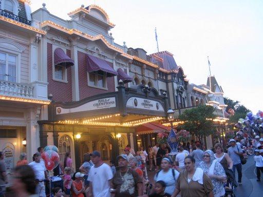 Les vacances de Mister Wolfi et Matttthieu : Walt Disney World Tour 2008 - Page 2 Img_0114