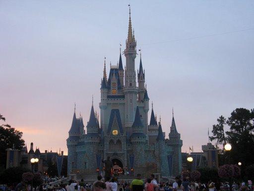 Les vacances de Mister Wolfi et Matttthieu : Walt Disney World Tour 2008 - Page 2 Img_0115