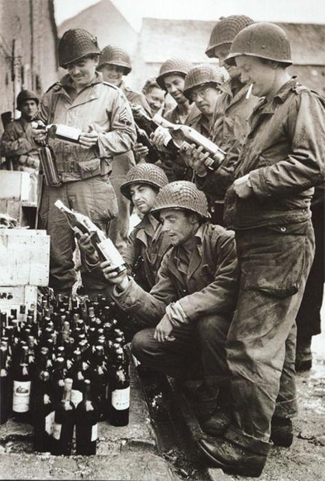 Les Images de la Seconde Guerre Mondiale - Page 17 24334b10