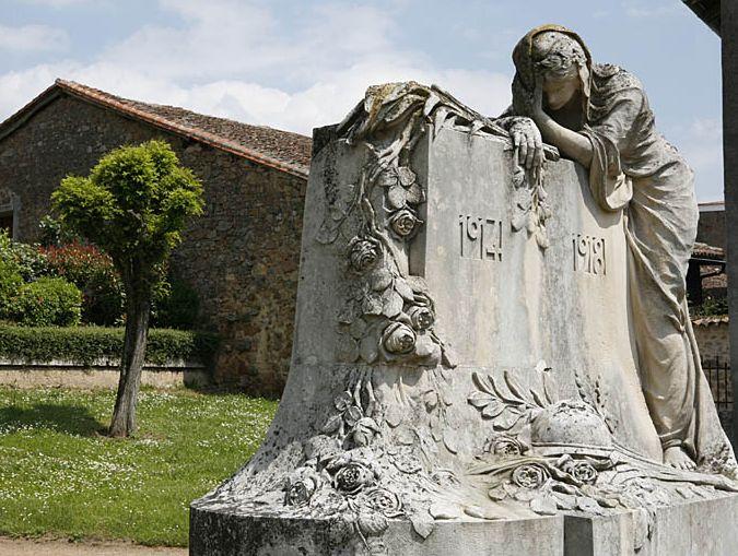 [Histoires et Histoire] Monuments aux morts originaux Français Tome 1 - Page 37 1_chab10