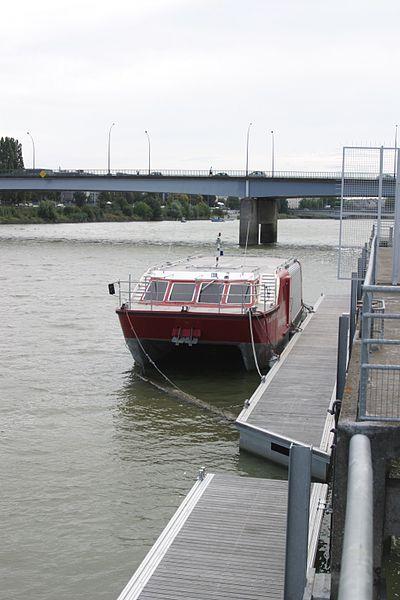 Navires des Marins Pompiers 400px-10