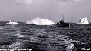 [ Les armements dans la Marine ] Les tirs en tous genres du missiles aux grenades via les mitrailleuses Grenad10