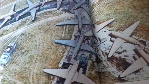 [Les anciens avions de l'aéro] Douglas C-47D Dakota - Page 6 Overlo10