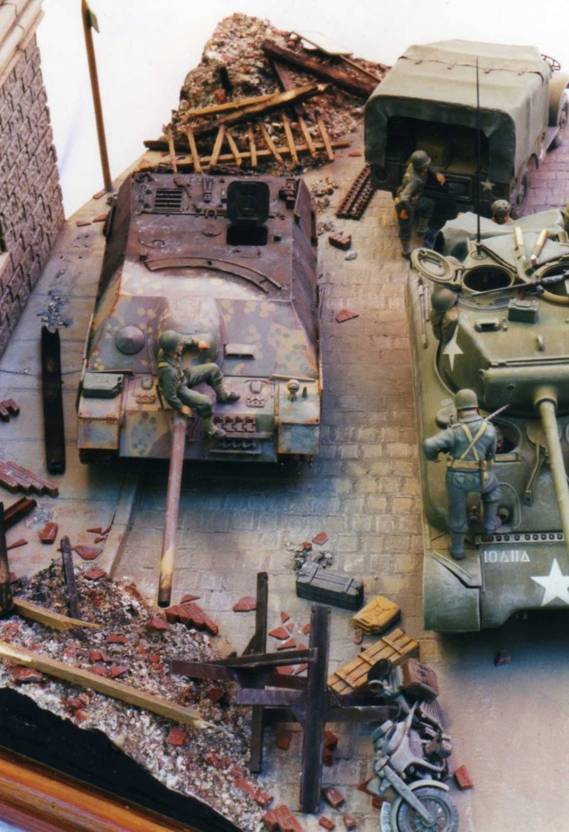 Sherman M4A1 Italeri - GMC CCKW 353 Heller - Dodge M6 Italeri - Jagdpanzer IV L/70 Italeri tout au 1/35e Allema10