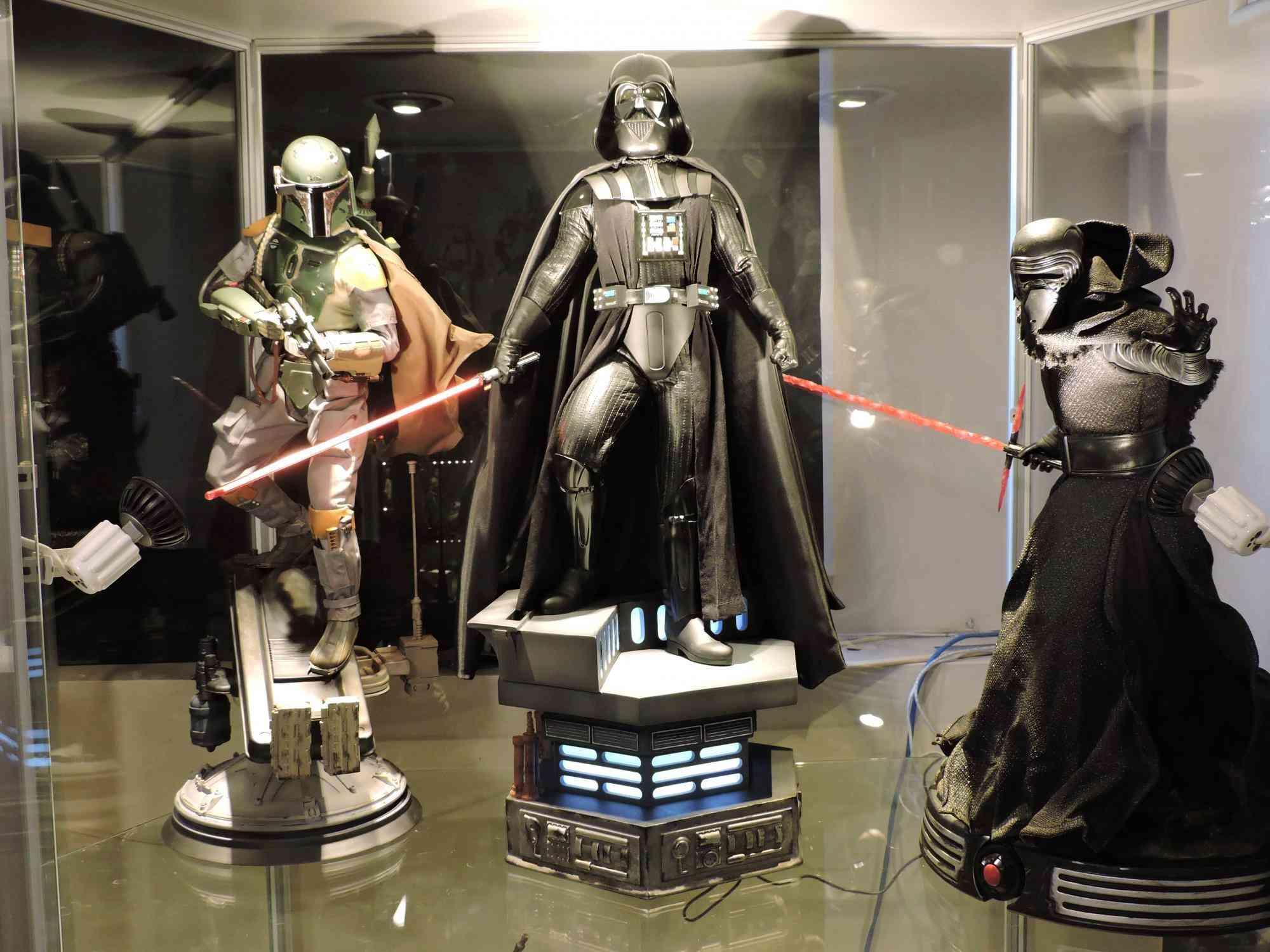 STAR WARS: KYLO-REN Premium Format  Dscn2011