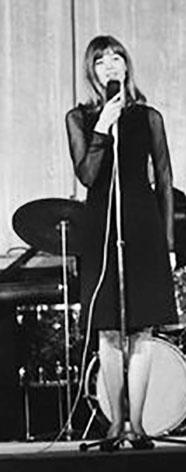 Mars 1963 - Albert Simonin et Françoise Hardy - 4ème partie   10588c10