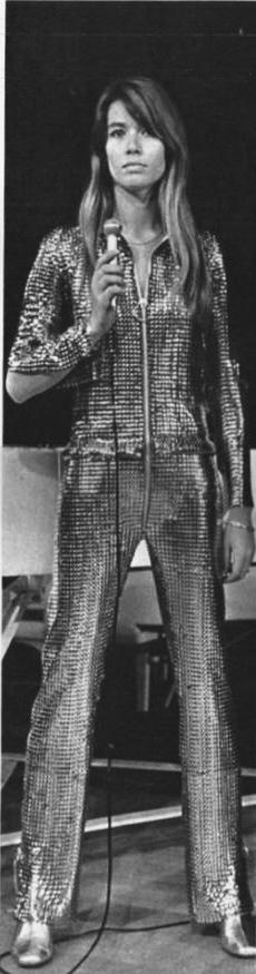 18 mai 1968 - Le 4ème récital au Savoy - Jours de France - Partie 2 Jour_d20