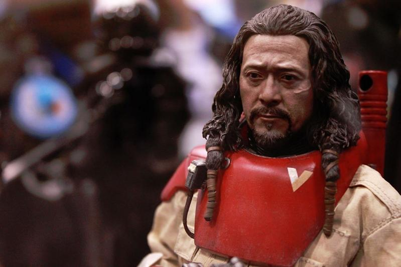 Hot Toys Rogue One - Baze Malbus Sixth Scale Figure Bazema11