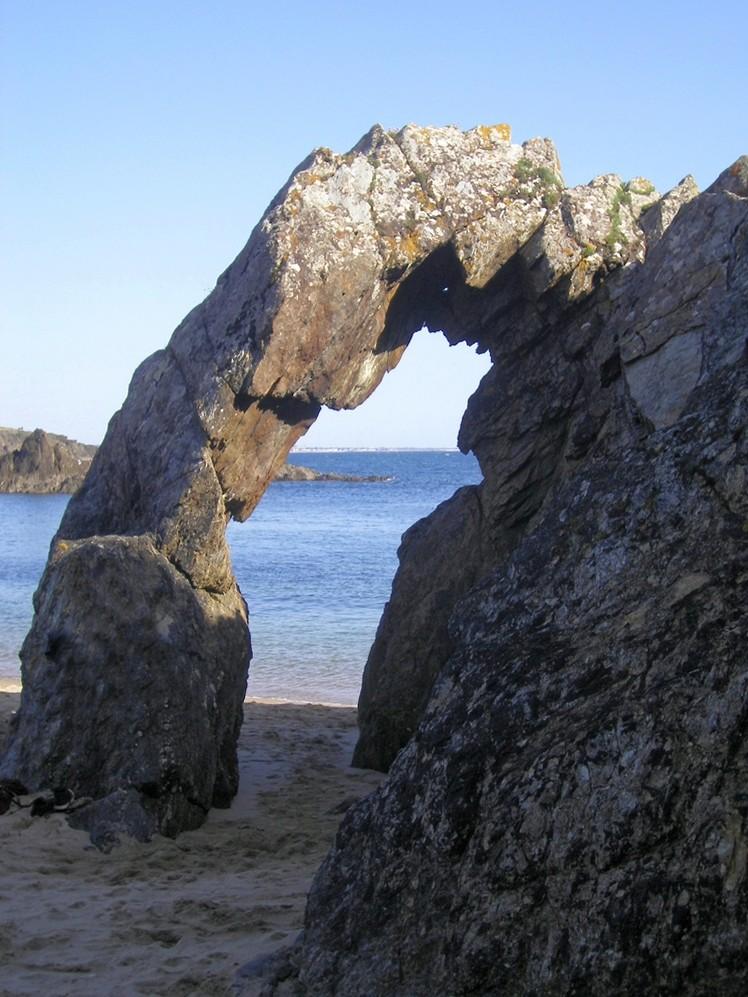 "La ""Roche Percée"" Clohars Carnoet Finistère ! Imgp0011"