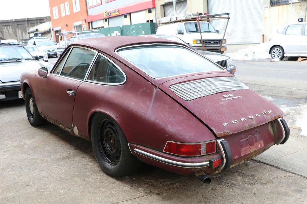 Photos de Porsche à restaurer - Page 3 1010