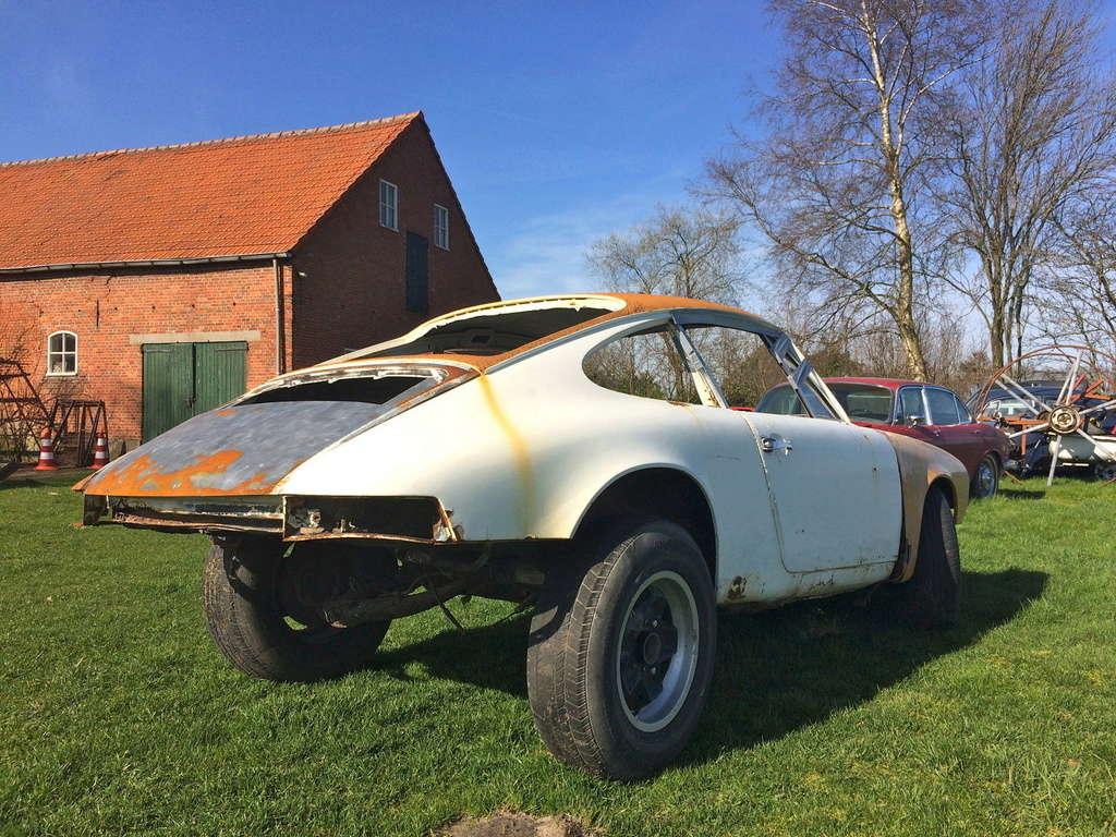 Photos de Porsche à restaurer - Page 4 112
