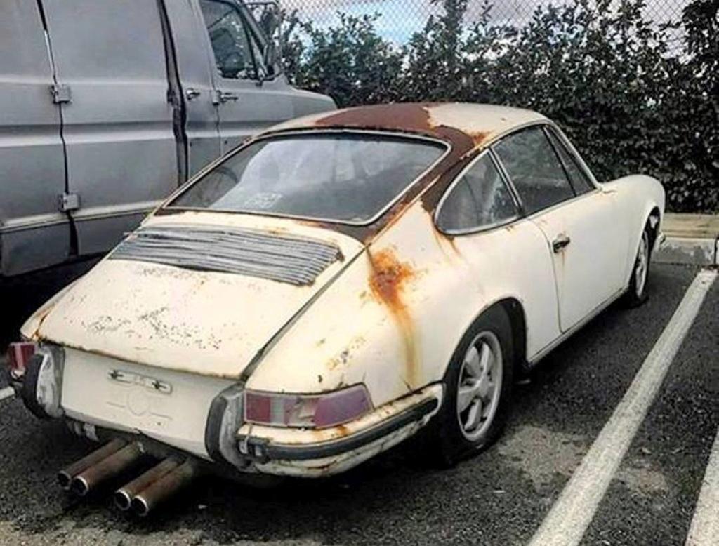 Photos de Porsche à restaurer - Page 6 19059310