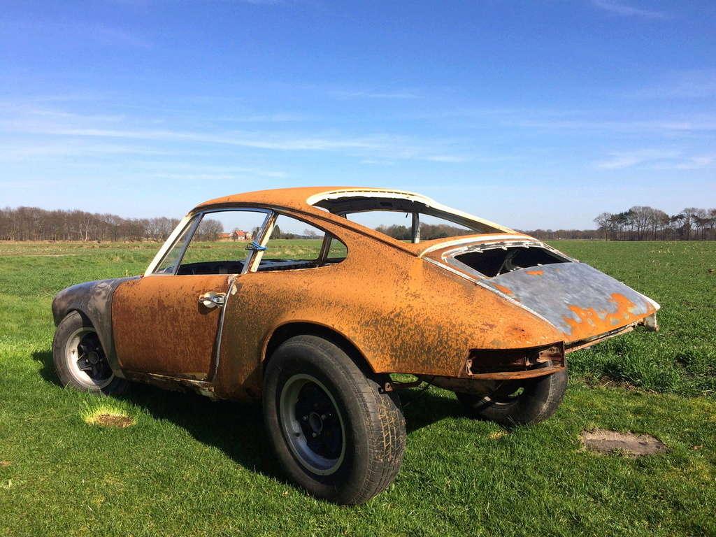 Photos de Porsche à restaurer - Page 4 311