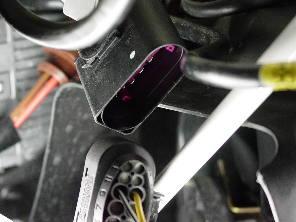 Démontage pare choc avant Porsche 997 Dsc03104