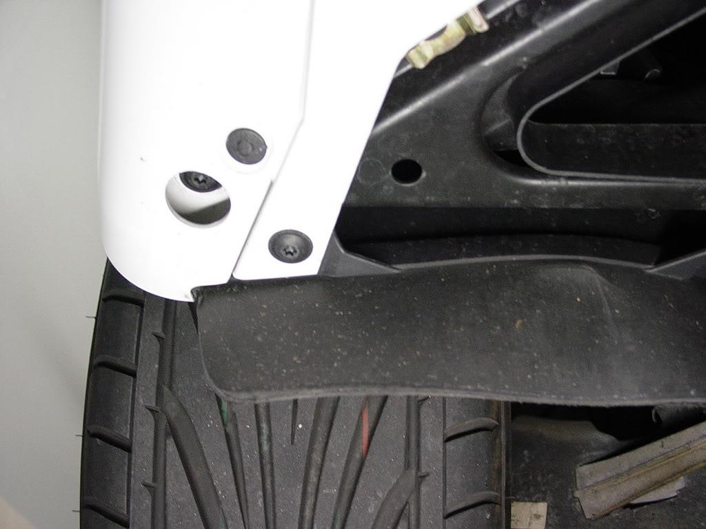 Démontage pare choc avant Porsche 997 Dsc03293