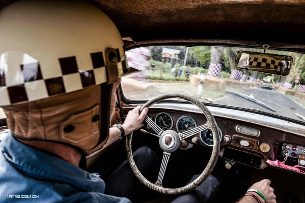 Photos de Porsche à restaurer - Page 2 Porsch25