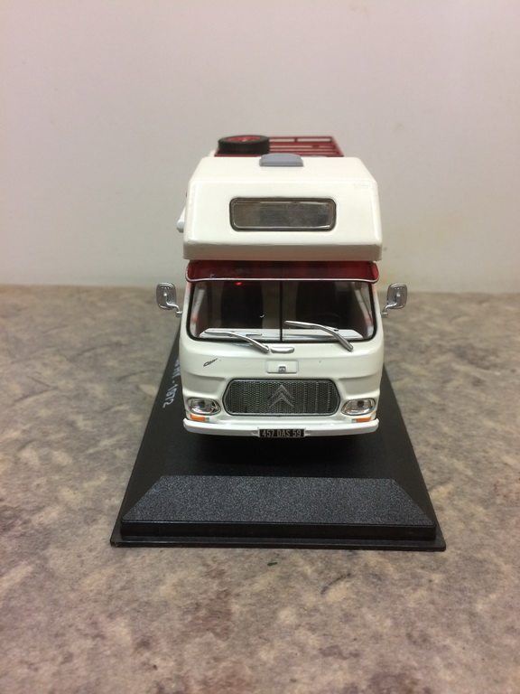 """nouvelle collection Hachette """"Passion Camping Cars"""" Img_3516"""
