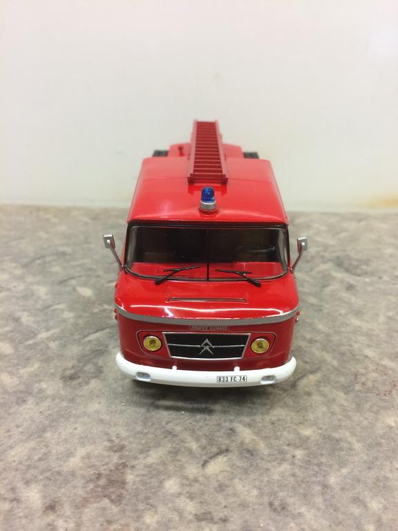 une collection de camions de POMPIERS au 1/43 - Page 2 Img_9410