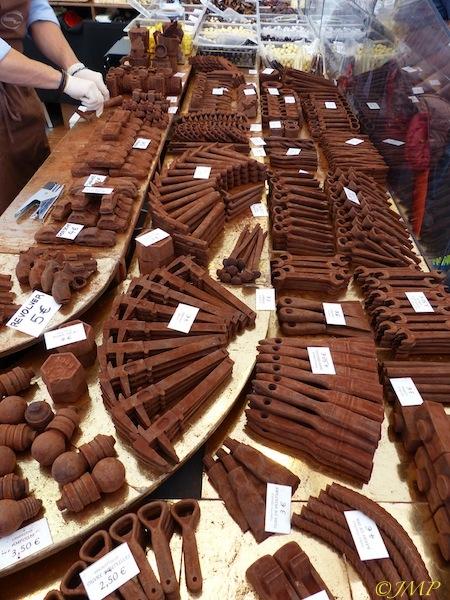 CHOCOLATS POUR LES AMATEURS ET GOURMANDS P1060318