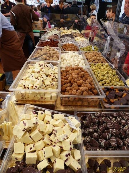 CHOCOLATS POUR LES AMATEURS ET GOURMANDS P1060343