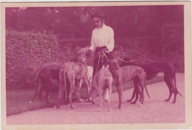 un galgo des années 1970 Mme_ra10