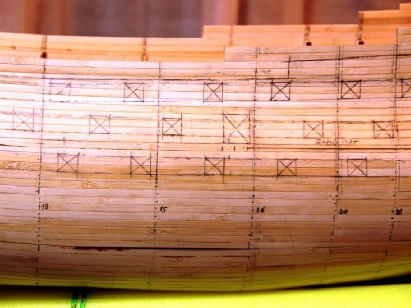 """Construction du """"Sovereign of the Seas"""" au 1/84 par Glénans - Partie I 08710"""