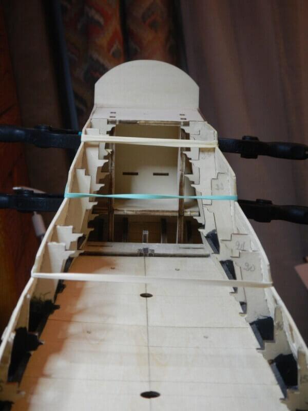 """Construction du """"Sovereign of the Seas"""" au 1/84 par Glénans - Partie I 13010"""