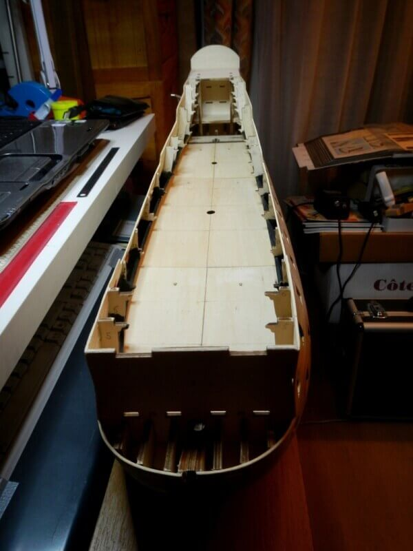"""Construction du """"Sovereign of the Seas"""" au 1/84 par Glénans - Partie I 13310"""