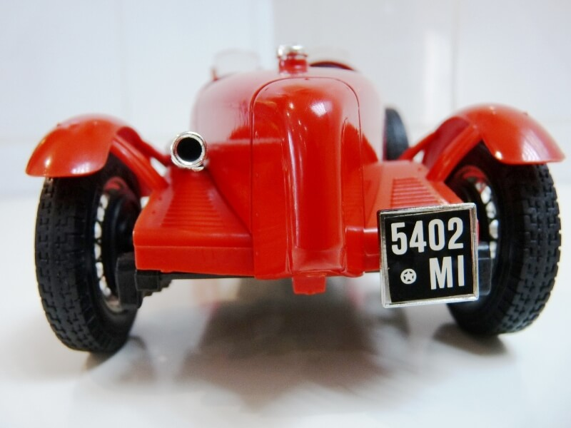 Alfa Roméo 8C 2300 Monza - 1934 - BBurago 1/18 ème Alfa_r11