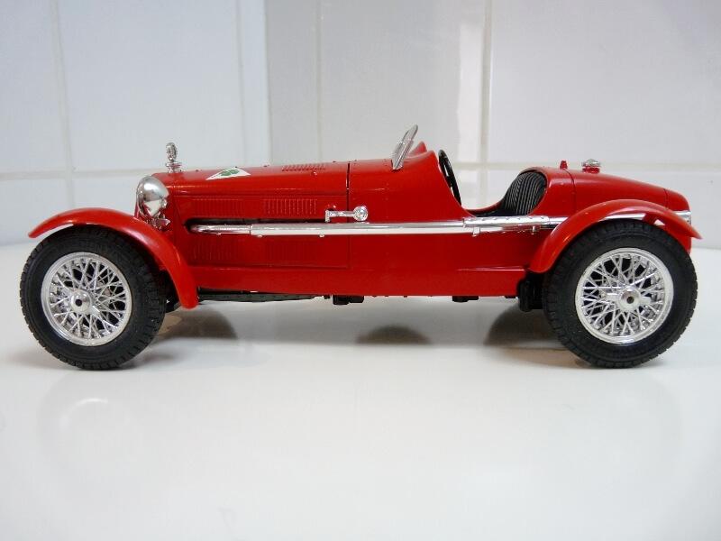 Alfa Roméo 8C 2300 Monza - 1934 - BBurago 1/18 ème Alfa_r14