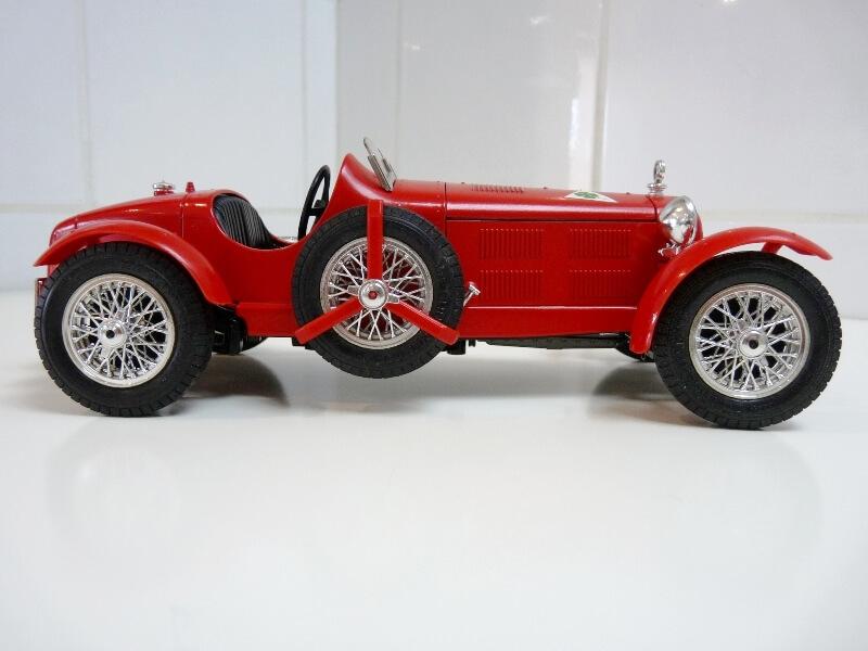 Alfa Roméo 8C 2300 Monza - 1934 - BBurago 1/18 ème Alfa_r17