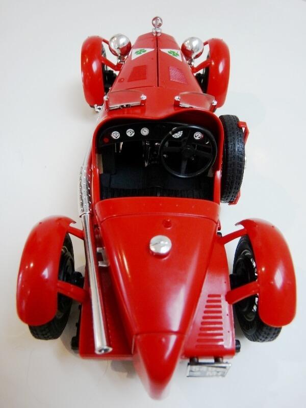 Alfa Roméo 8C 2300 Monza - 1934 - BBurago 1/18 ème Alfa_r18