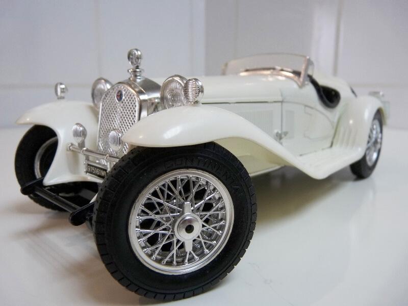 Alfa Roméo 2300 Spider - 1932 - BBurago 1/18 ème Alfa_r35