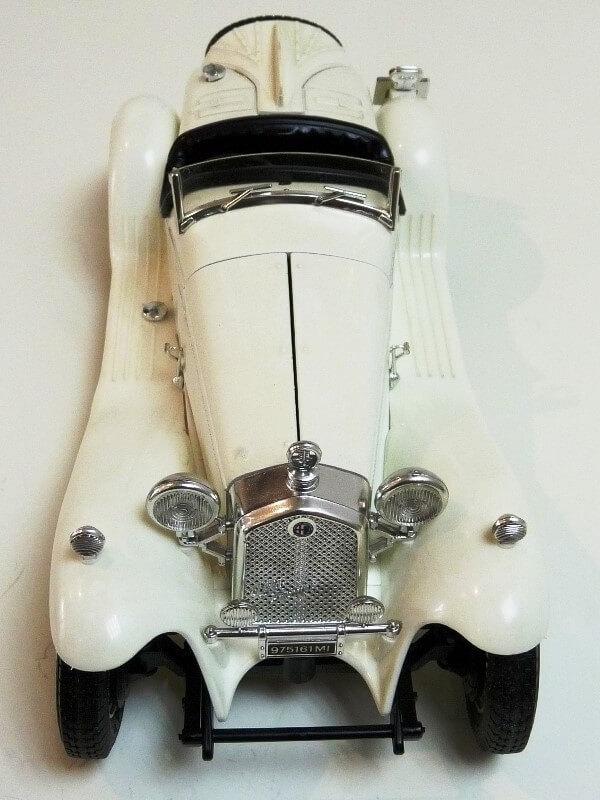Alfa Roméo 2300 Spider - 1932 - BBurago 1/18 ème Alfa_r45