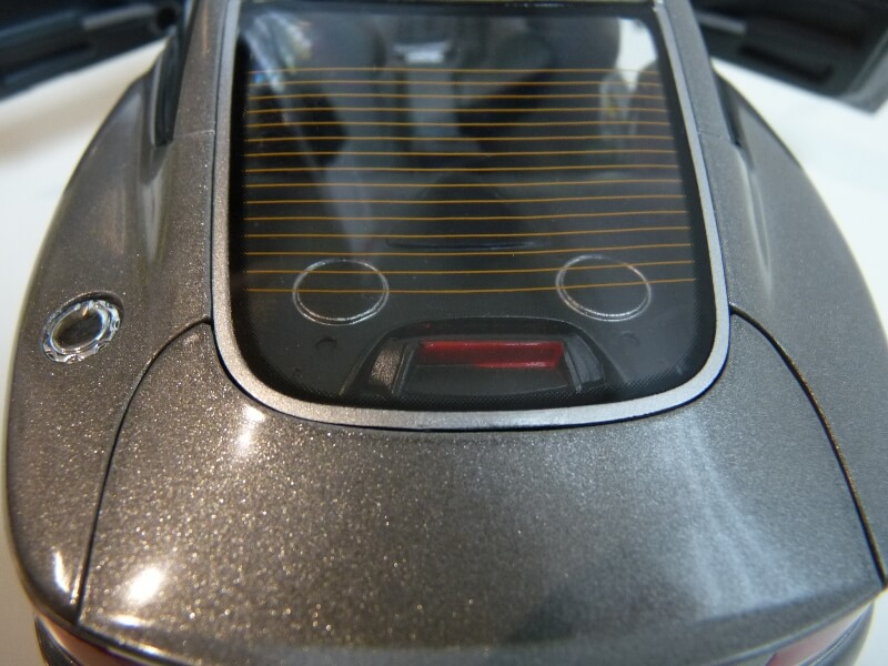 Aston Martin Vanquish - 2001 - James Bond - The Beanstalk Groupe 1/18 ème Aston_28