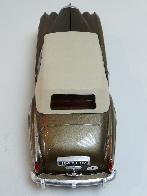 Bentley S II - 1961 - Solido 1/20 ème Bentle22