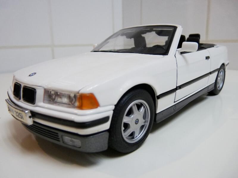 BMW 325i Convertible - 1993 - Maisto 1/18 ème Bmw_3210