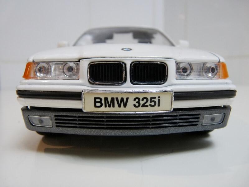 BMW 325i Convertible - 1993 - Maisto 1/18 ème Bmw_3211