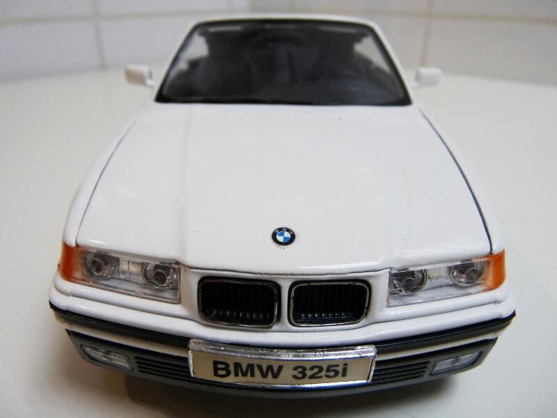 BMW 325i Convertible - 1993 - Maisto 1/18 ème Bmw_3212
