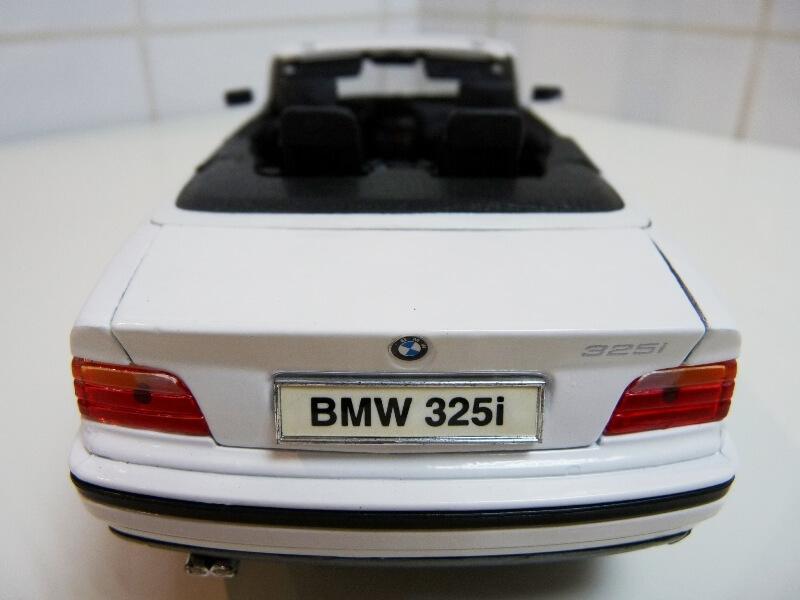 BMW 325i Convertible - 1993 - Maisto 1/18 ème Bmw_3215