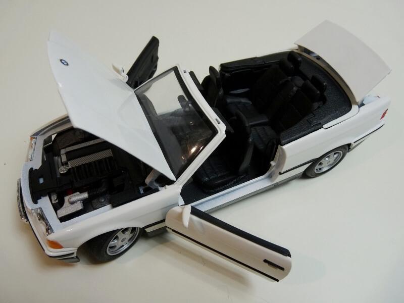 BMW 325i Convertible - 1993 - Maisto 1/18 ème Bmw_3216
