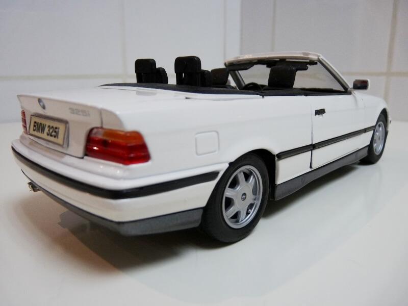 BMW 325i Convertible - 1993 - Maisto 1/18 ème Bmw_3220